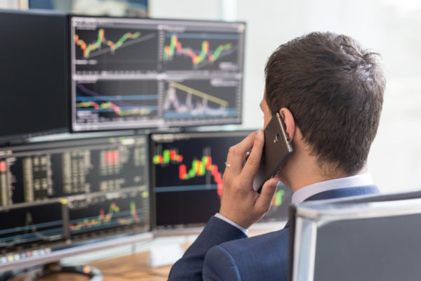 7 Proven Algorithmic Trading Techniques Used by Institutional Investors
