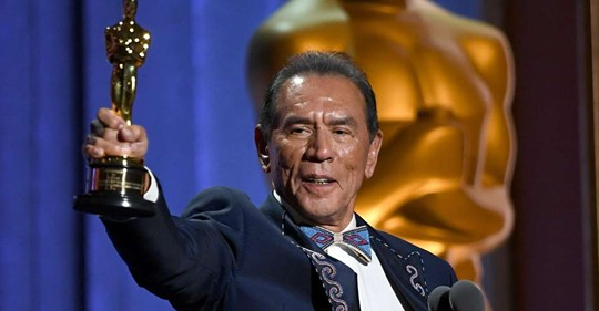 """American Indian Actor Wes Studi Tells America """"It's about Time"""" Upon Receiving an Oscar"""